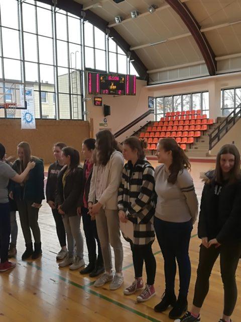 Reprezentacja dziewcząt w koszykówce