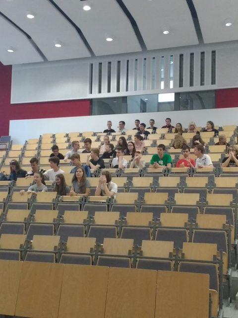 Fotorelacja z wycieczki na Wydział Chemii UAM